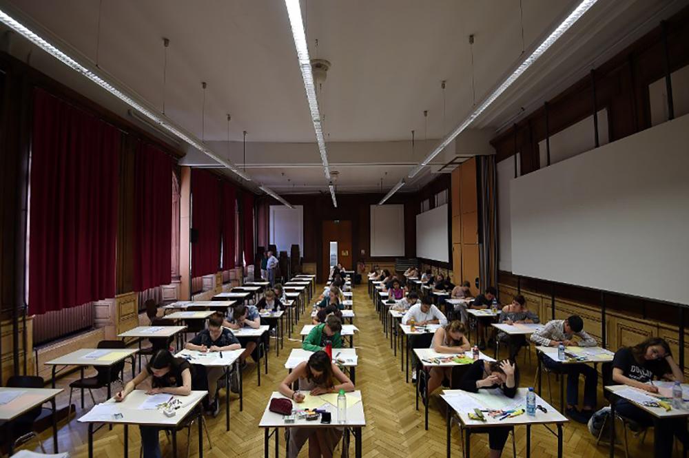 """Entrée à l'université: face au """"gâchis"""", les discussions pour une réforme débutent"""