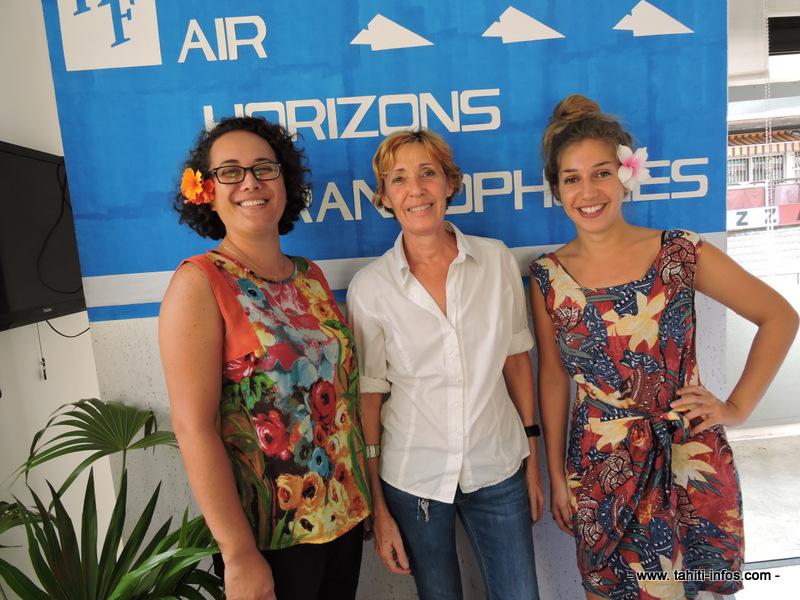 Marie-Hélène Oulé, directrice d'Horizons francophones, entourée de ses collaboratrices Clotilde Duchenne (à droite) chargée du développement et Toreia Leboucher (à gauche), en charge du marketing.