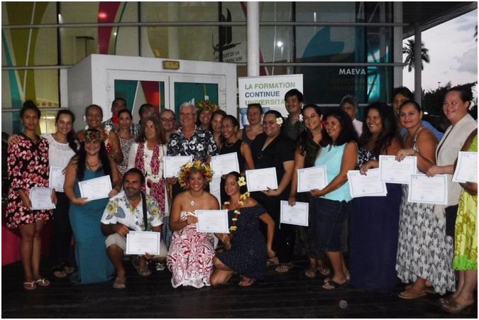 La promotion 2017 des diplômés du DU de généalogie successorale.