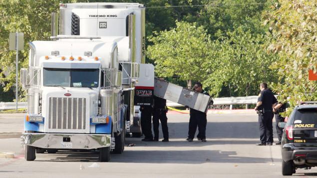 Un Américain inculpé au Texas après la mort de clandestins dans son camion