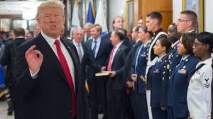 Trump interdit aux personnes transgenres de servir dans l'armée