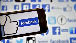 Réseaux sociaux: Facebook caracole, Twitter mord la poussière