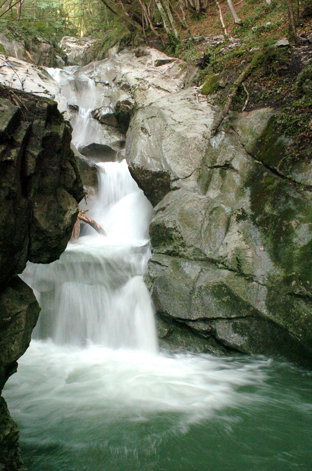 Hautes-Alpes: enquête pour homicide involontaire après la mort d'un enfant en canyoning