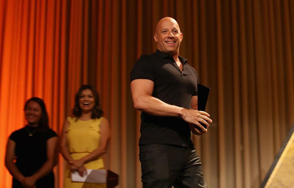 """Vin Diesel et NBC préparent un remake de la série """"Deux flics à Miami"""""""