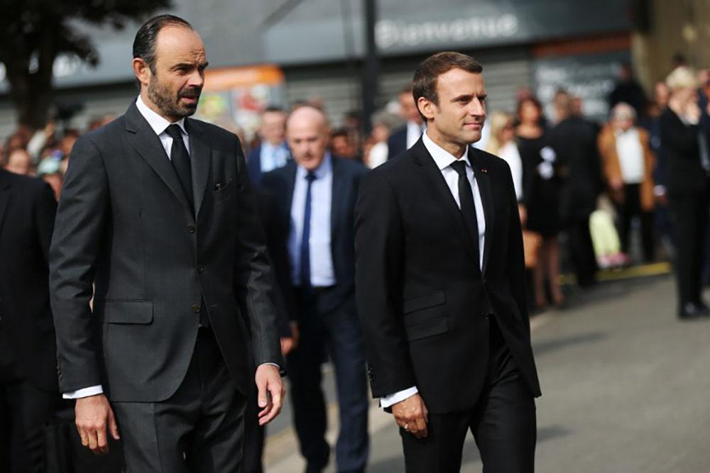 Forte baisse de confiance pour Macron (-5) et Philippe (-6)