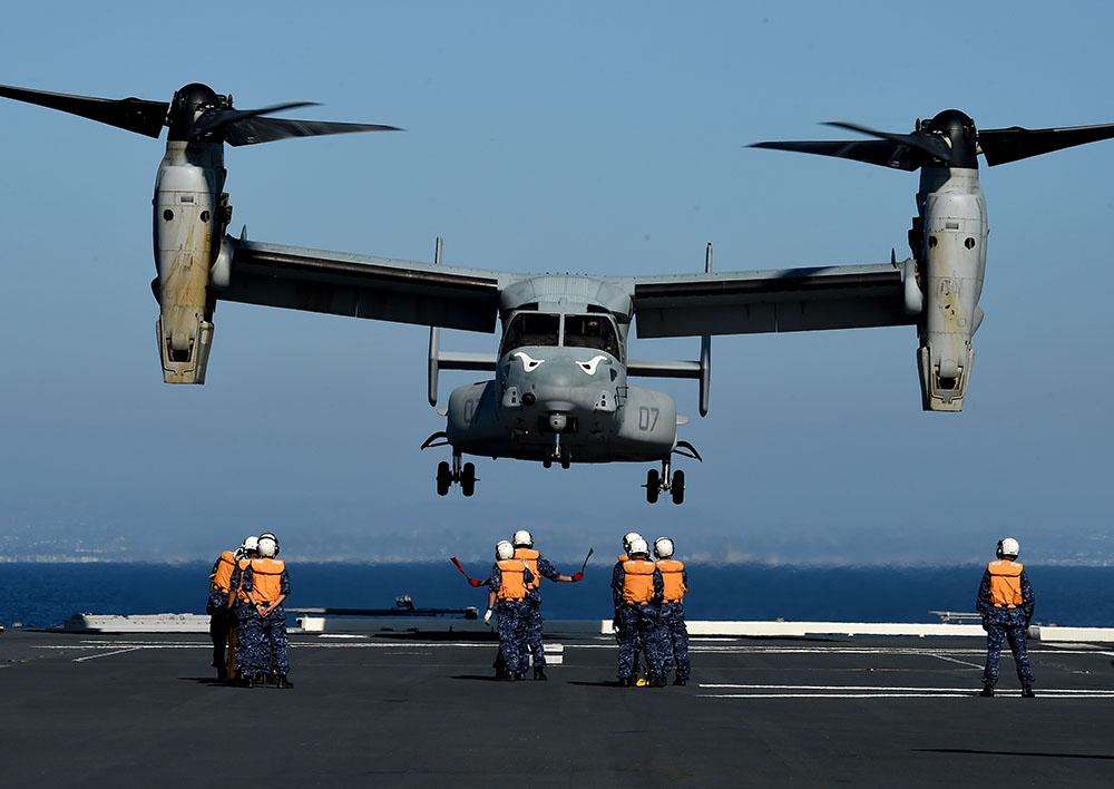 Australie: un avion militaire américain s'abîme en mer, 3 disparus