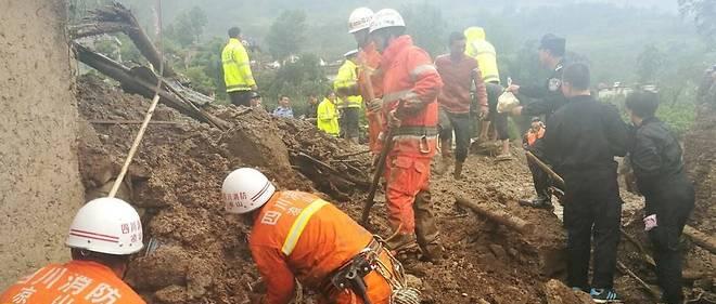 Séisme en Chine: les autorités craignent jusqu'à 100 morts