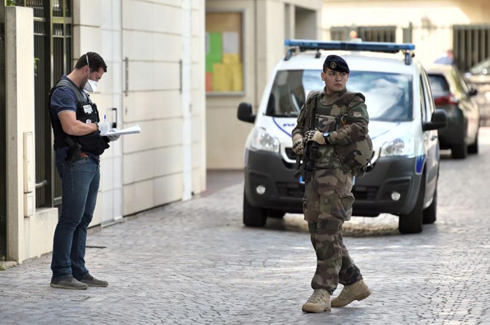 Militaires renversés à Levallois: le véhicule intercepté, un homme interpellé