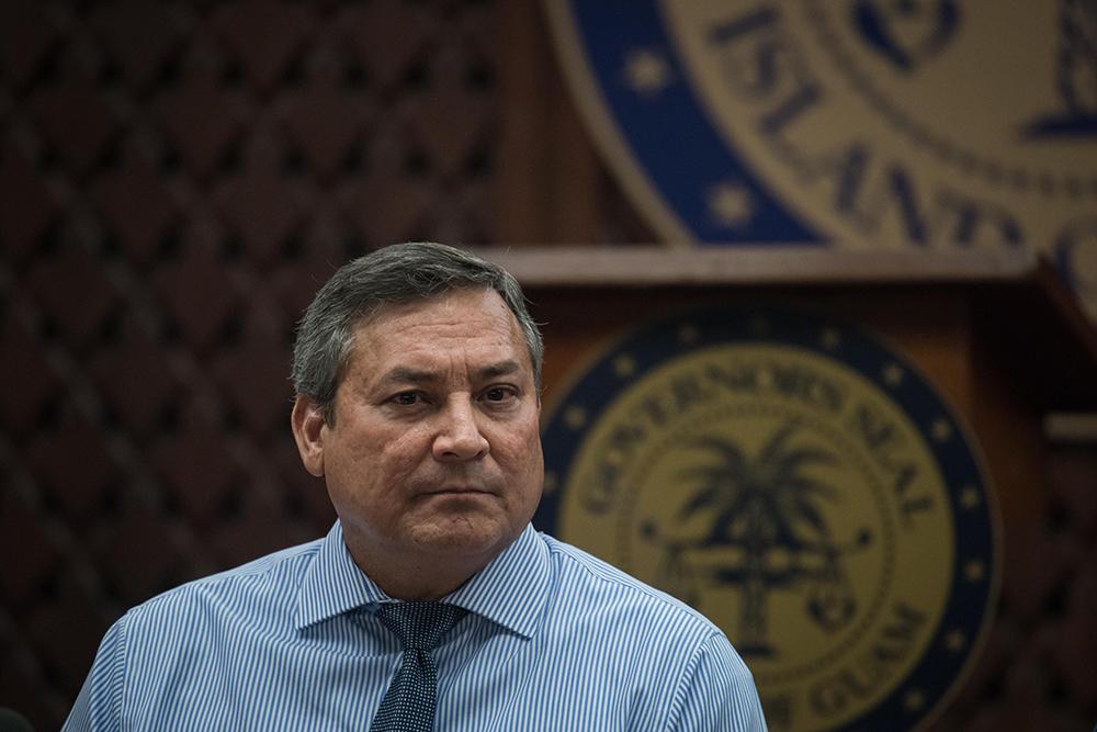 """Pyongyang doit prendre un """"coup de poing dans le nez"""", juge le gouverneur de Guam"""