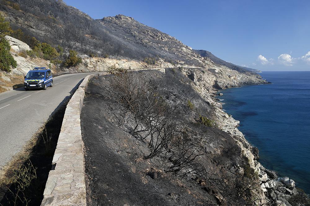"""Haute-Corse: deux feux """"non maîtrisés"""", une mise en examen pour incendie volontaire"""