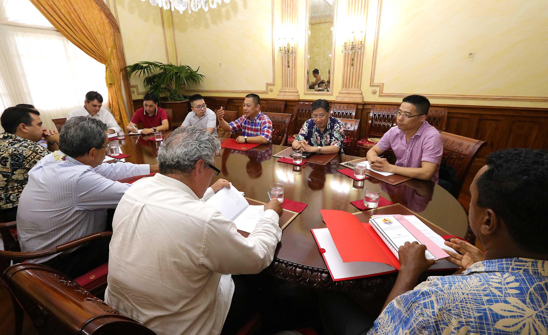 Ferme aquacole à Hao: l'équipe de Tahiti Nui Ocean Foods sur le territoire
