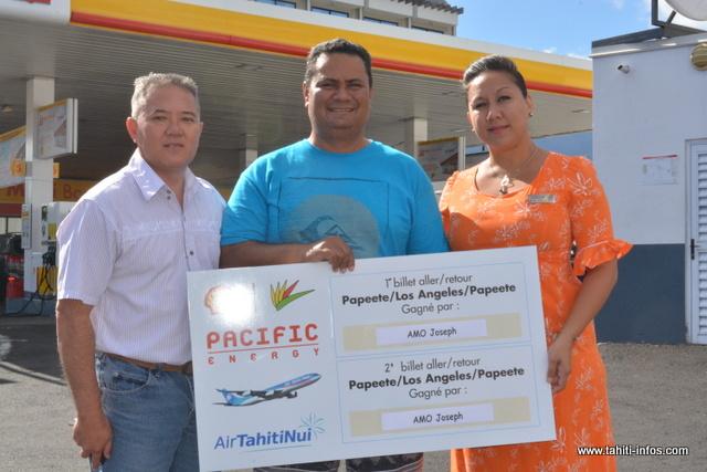 Joseph Amo de Tahaa est l'heureux gagnant du jeu Shell / Pacific.
