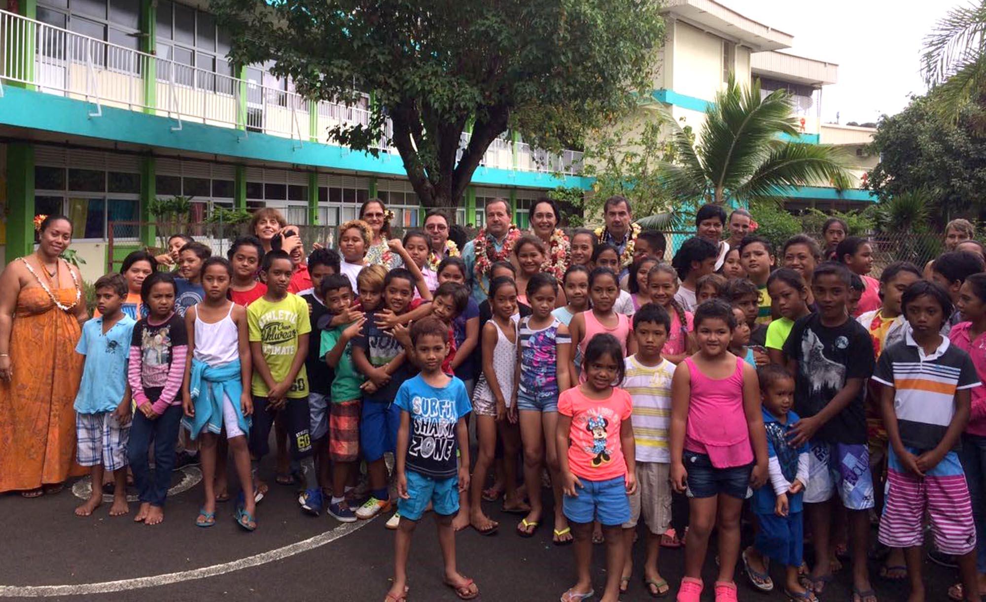 Rentrée scolaire: visite de la ministre de l'Éducation dans plusieurs établissements