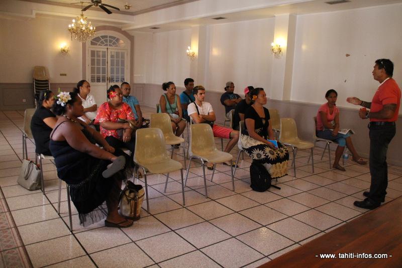 """""""jeunes"""" de la cellule emploi de la mairie de Papeete vont démarrer leur contrat ce vendredi."""