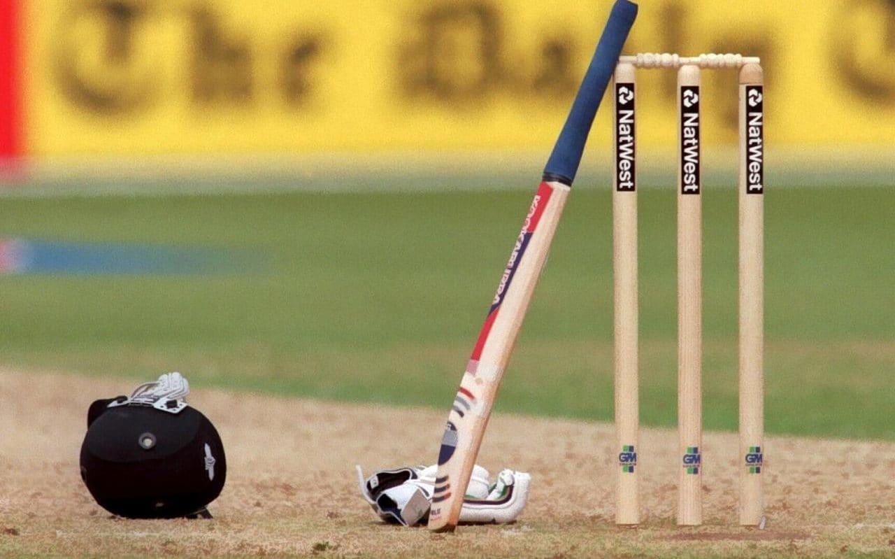 Londres : un carreau d'arbalète tiré lors d'un match de cricket
