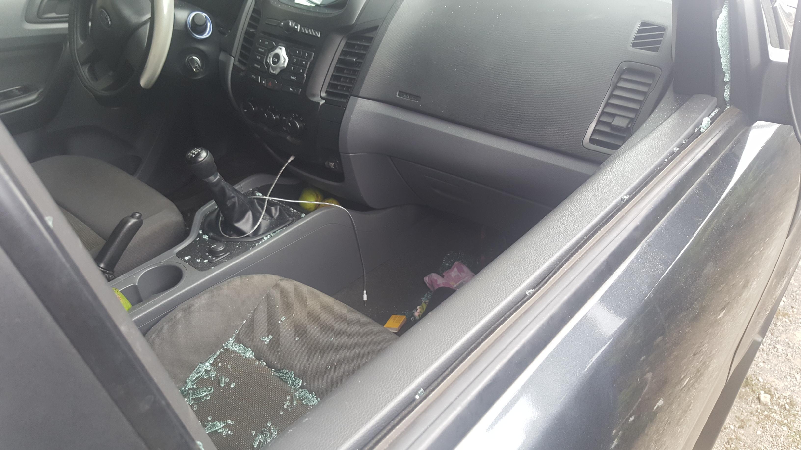 Les gendarmes ont du briser les vitres de la voiture pour extraire les enfants.