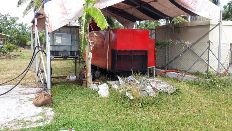 Le générateur principal installé depuis la mi-août au centre du village de Pouheva à Makemo.