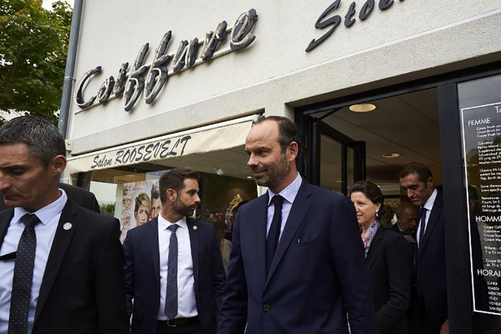 """Indépendants: Philippe confirme la fin du RSI et promet un """"coup de pouce"""""""