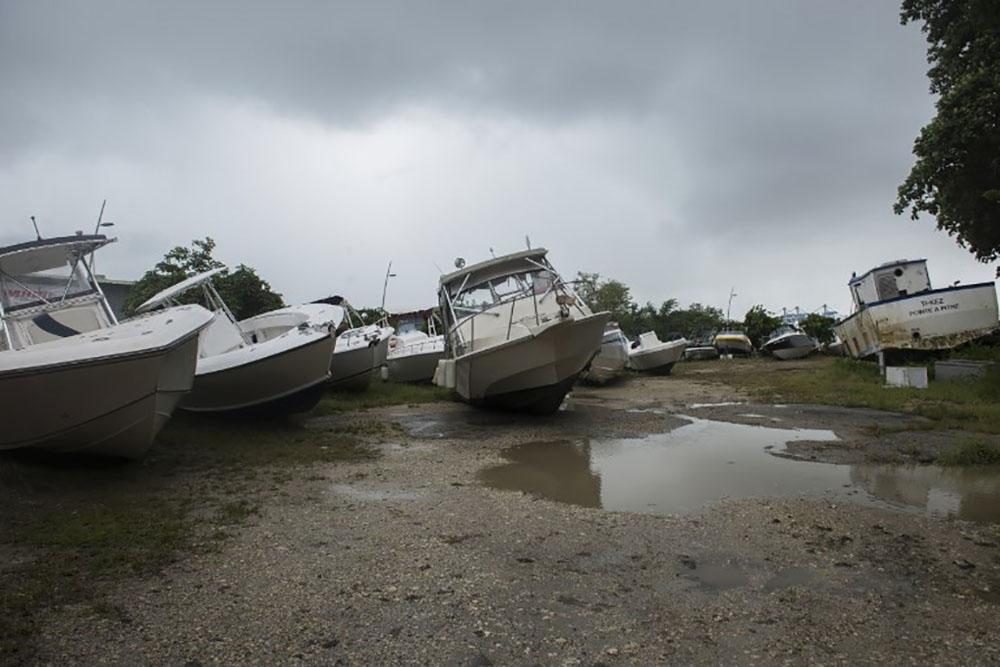 """Irma: des """"dégâts importants"""" à St-Barthélemy et St-Martin, envoi de renforts"""