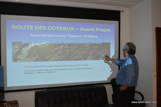 Pour le ministre de l'Équipement, Luc Faatau, le seul espoir pour désenclaver la ville serait d'ouvrir de nouvelles routes.