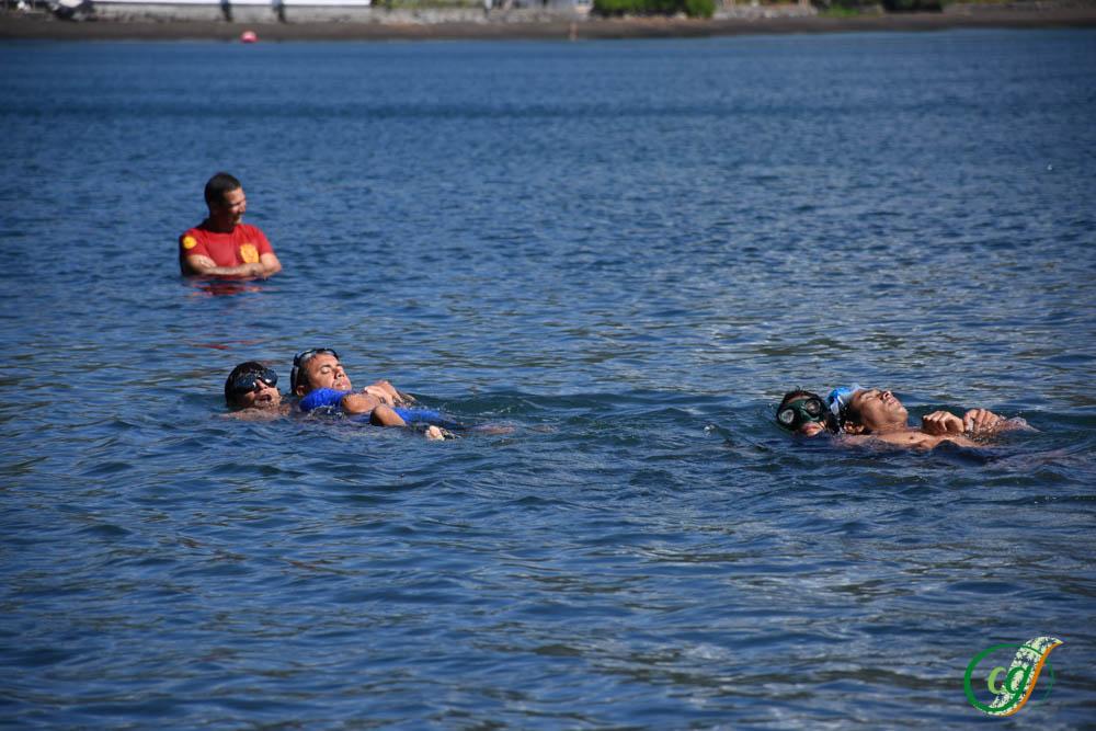 Une formation de nageur sauveteur pour seize sapeurs-pompiers de Tahiti et Moorea