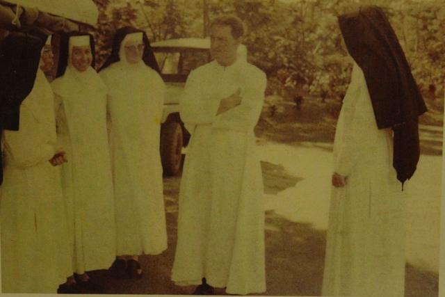 Hubert Coppenrath et les soeurs.