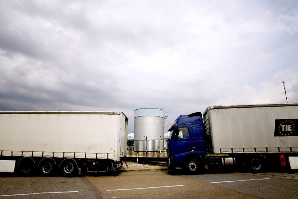 Fuite d'acide sulfurique après l'accident d'un camion près de Lyon