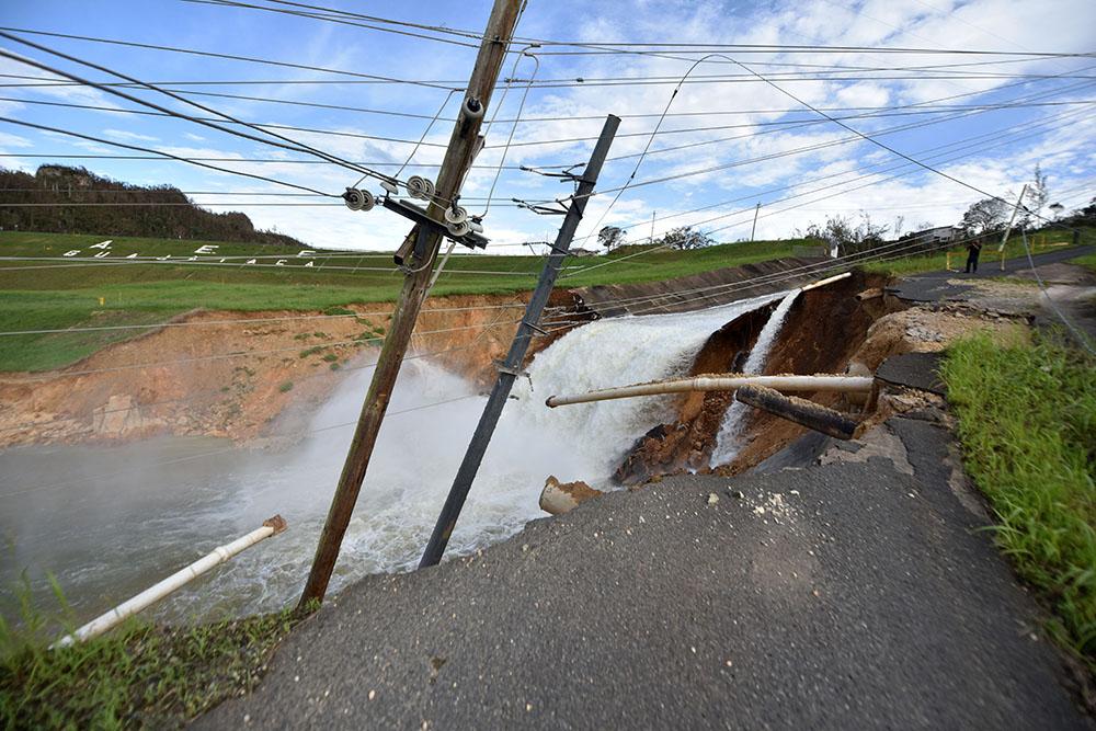 Porto Rico: évacuations massives près d'un barrage fissuré après le passage de Maria