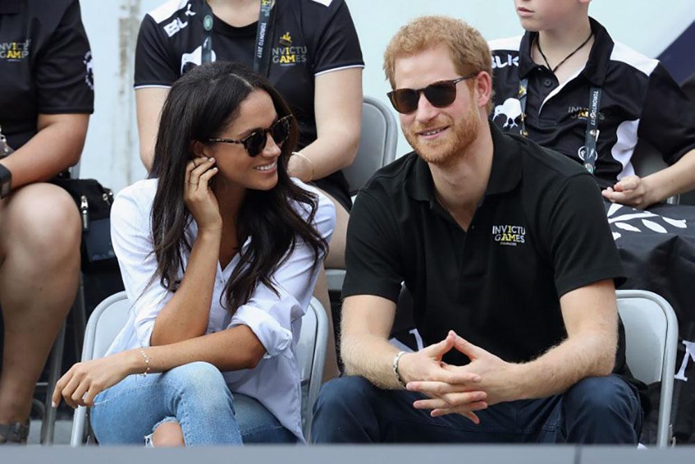 Le prince Harry et Meghan Markle, deux amoureux main dans la main à Toronto