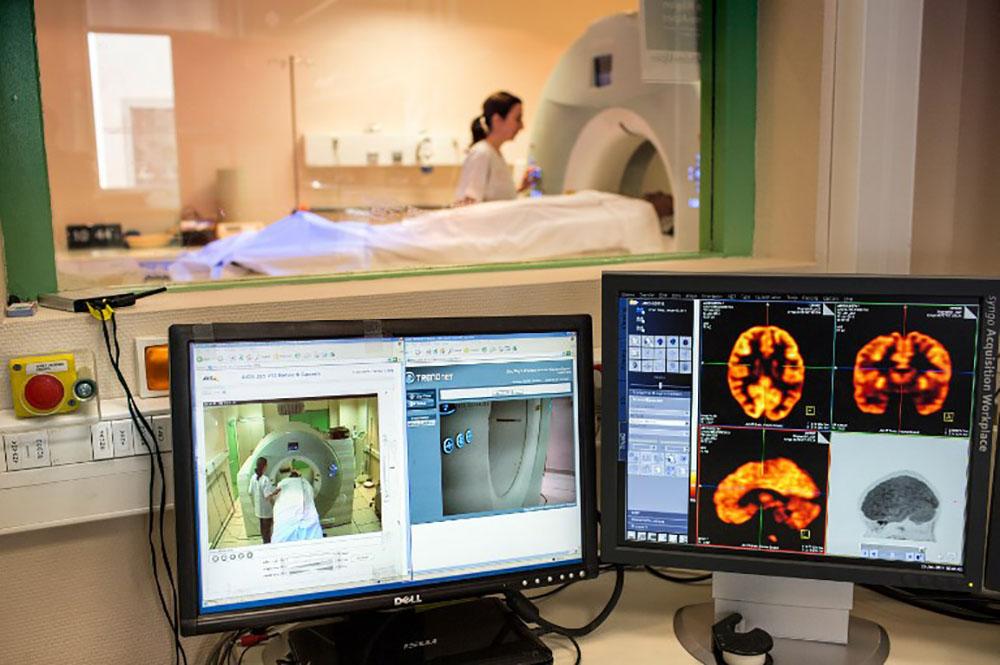 Des stimulations nerveuses, une nouvelle piste pour les patients en état végétatif ?