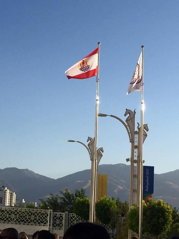 Le drapeau Polynésien flotte au Turkmenistan