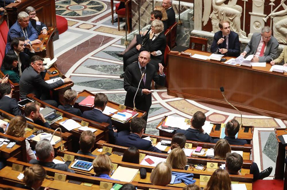 Loi antiterroriste: l'Assemblée vote l'extension des contrôles d'identité près des frontières