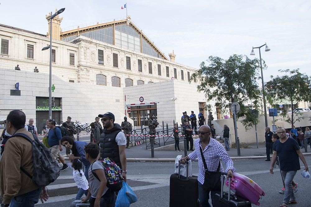 L'enquête se poursuit après l'attaque de Marseille revendiquée par l'EI