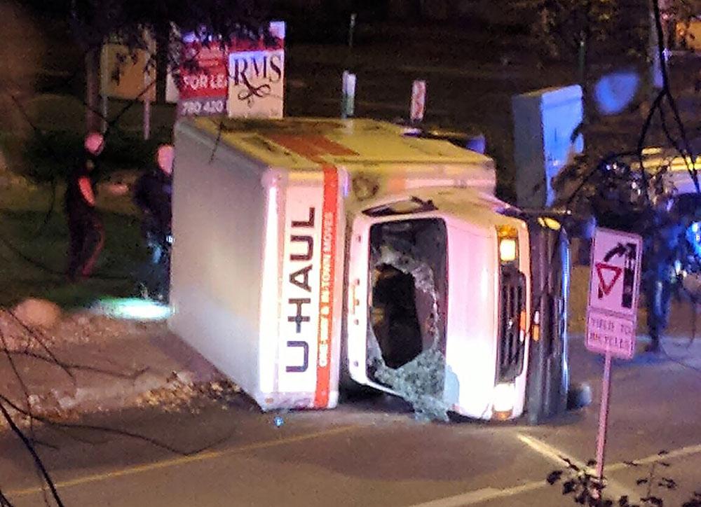 """Trudeau dénonce un """"attentat terroriste"""" à Edmonton, cinq blessés"""