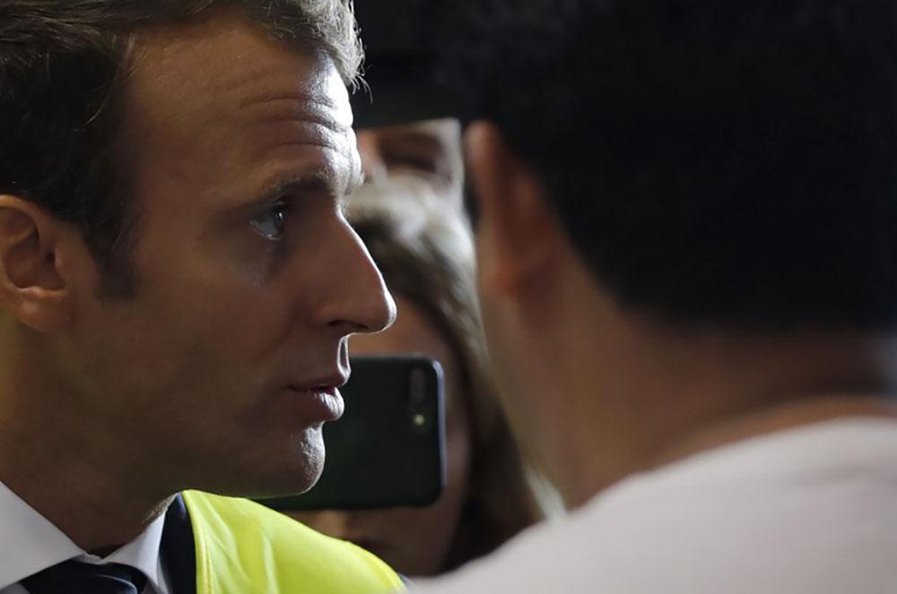 De retour chez Whirlpool à Amiens, Macron défend sa politique économique et sociale