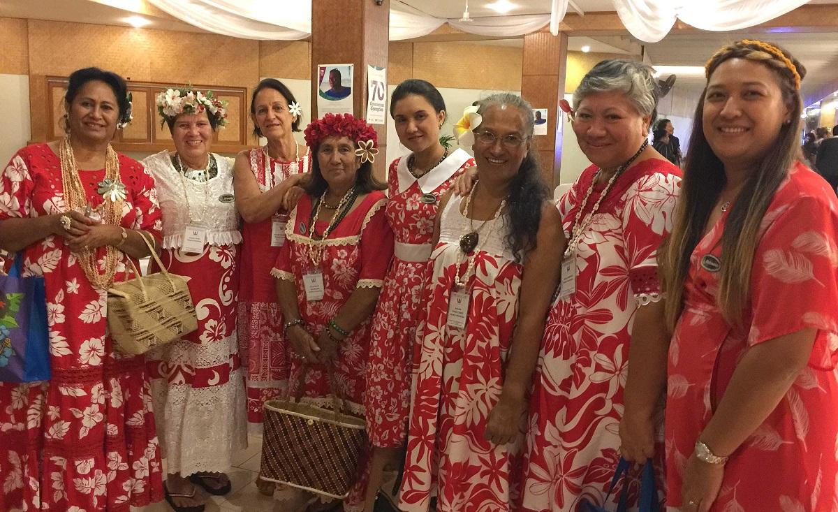 Ces huit Polynésiennes vont représenter les vahine du fenua à la 13ème conférence régionale des femmes du Pacifique, aux Fidji (crédit: Présidence)