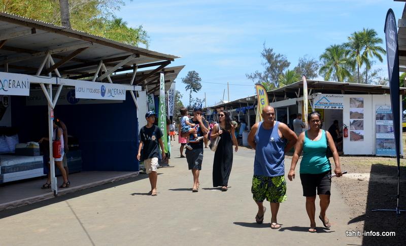 Les deux salons sont reliés par une petite rue qui mène à la plage du Maeva Beach.