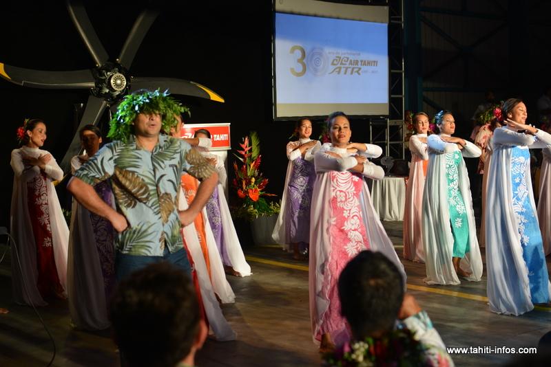Les salariés d'Air Tahiti ont offert à leurs collègues un spectacle de danse