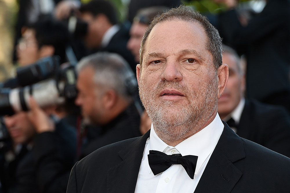 Le producteur Weinstein licencié, questions sur l'omerta à Hollywood