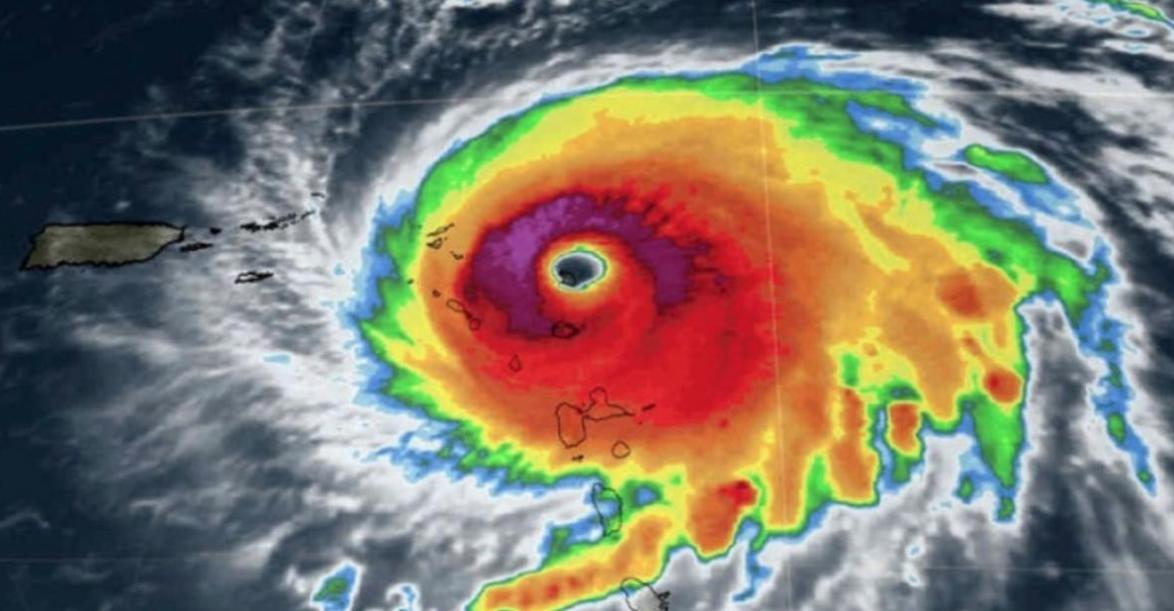 Le cyclone Irma qui a touché Saint Martin en septembre a atteint un niveau d'alerte violette