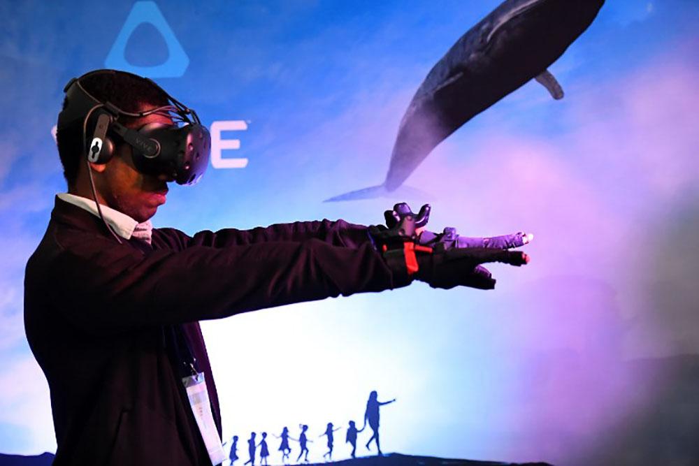 Facebook dévoile un casque de réalité virtuelle à bas coût