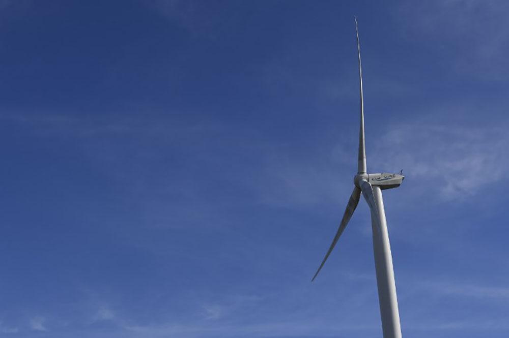 La première éolienne en mer de France inaugurée à Saint-Nazaire