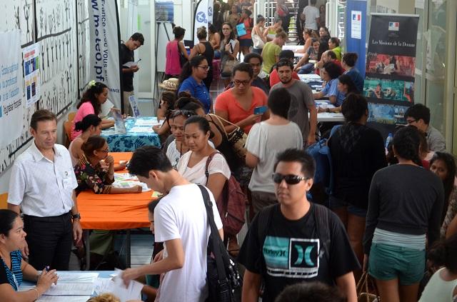 Le Carrefour de l'emploi public est un rendez-vous annuel depuis 2011, qui a toujours autant de succès auprès des étudiants comme du grand public. (photo UPF)
