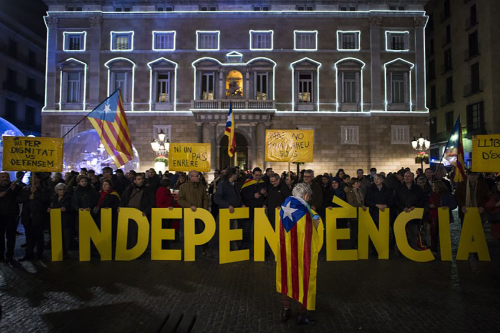 Catalogne: Madrid et Barcelone vers le choc frontal
