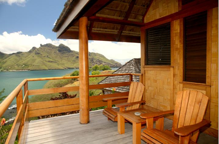 Une vue de la baie depuis la terrasse de l'un des bungalows. Prenez le temps de n'y rien faire…
