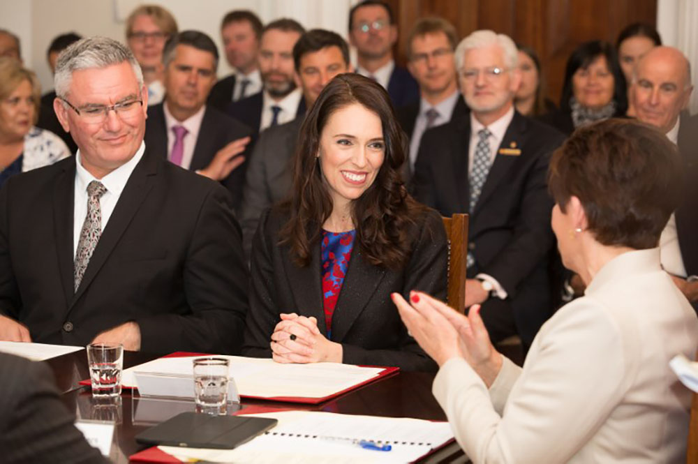 Nouvelle-Zélande: Jacinda Ardern investie Première ministre