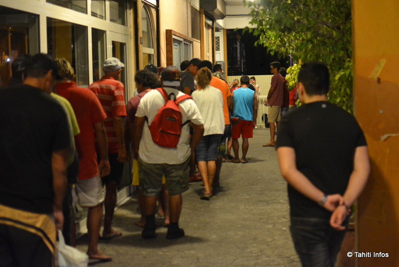 La foule des personnes dans le besoin à Papeete ne cesse de grossir, malgré la reprise économique.