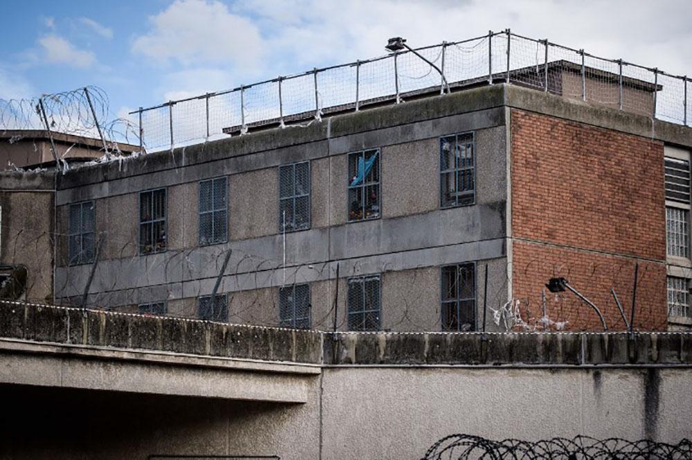 Surpopulation des prisons : Macron veut créer une Agence des travaux d'intérêt général
