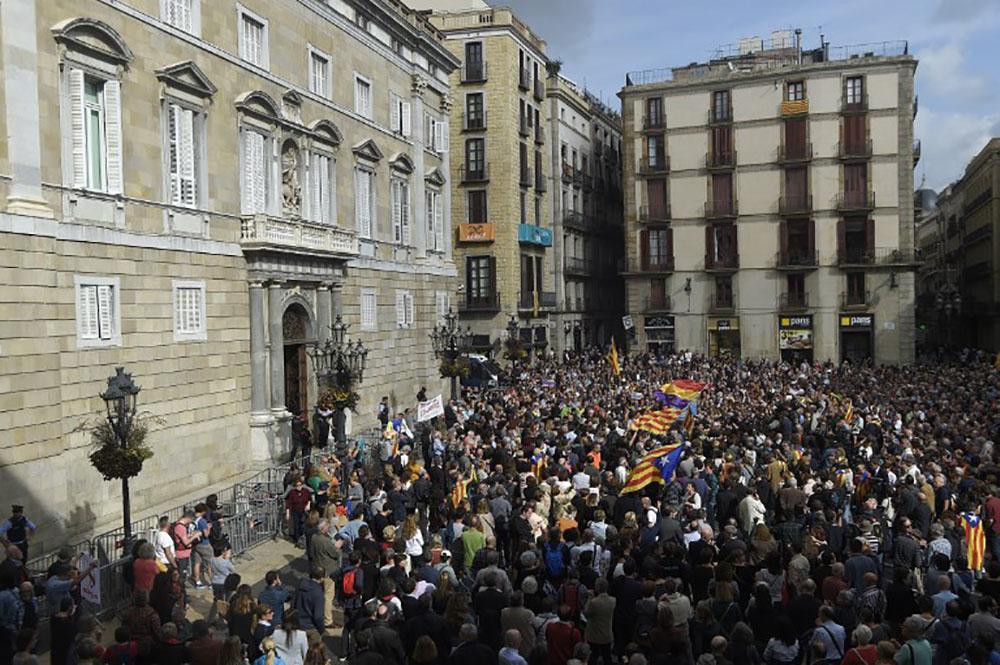 Le parquet espagnol demande un mandat d'arrêt européen contre Puigdemont