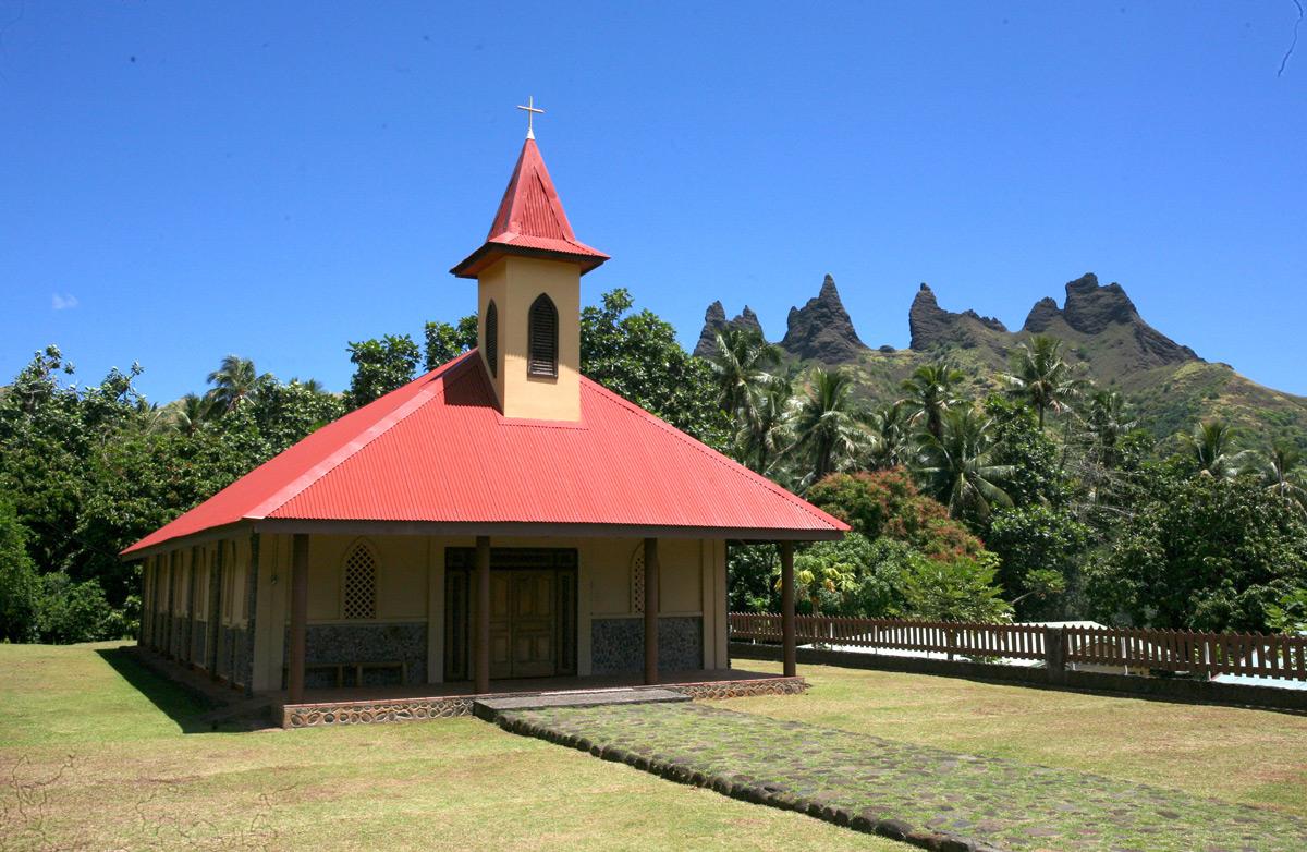 La petite église catholique de Aakapa, flambant neuve.